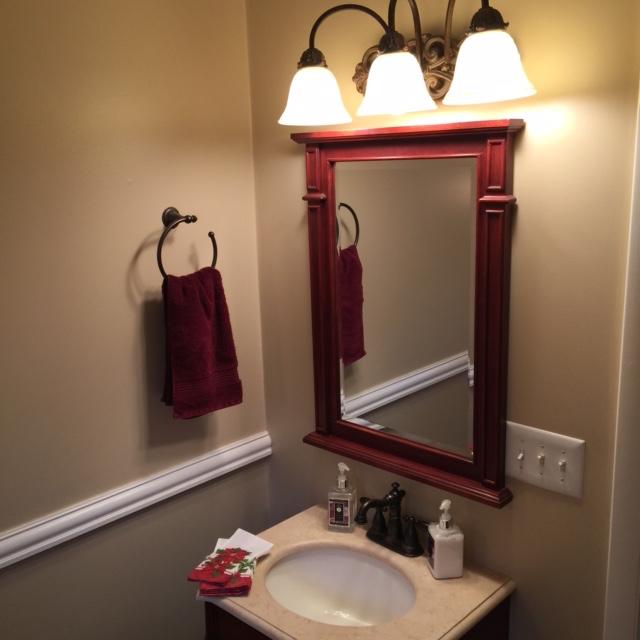 holiday bathroom decor 2