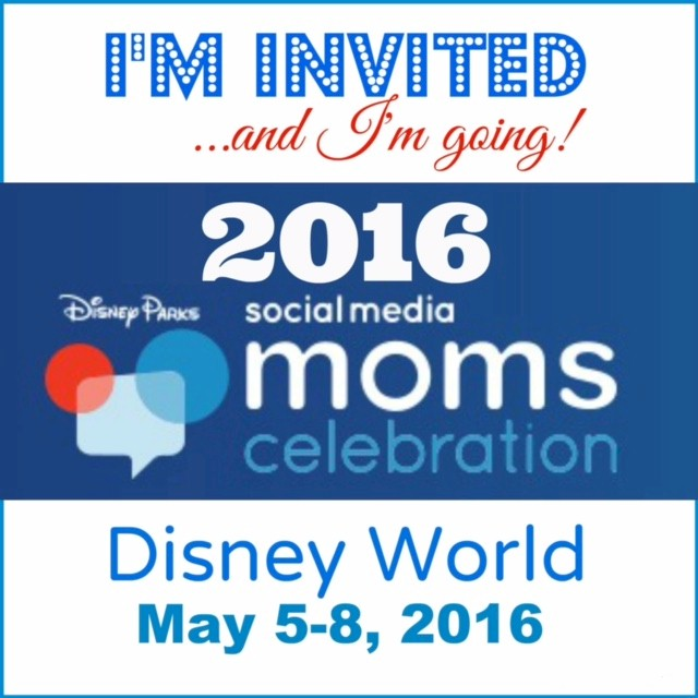 I'm going to Disney WOrld with Social Medisa Moms