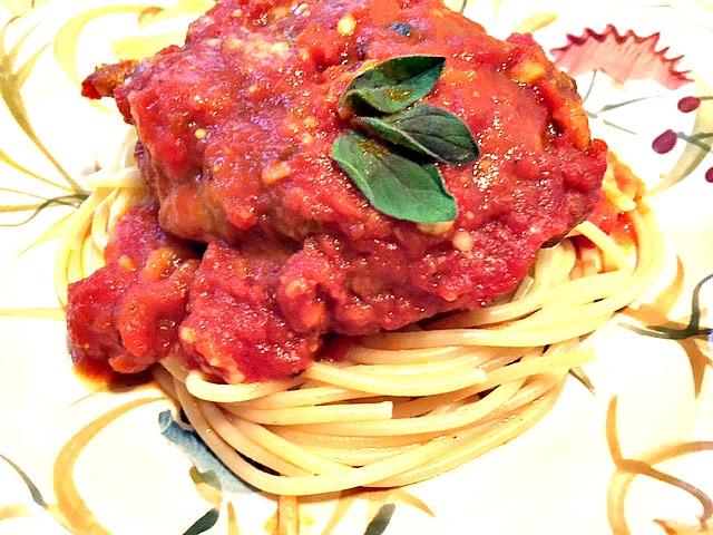 polpetone and spaghetti