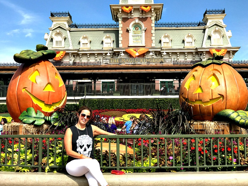 magic-kingdom-on-halloween