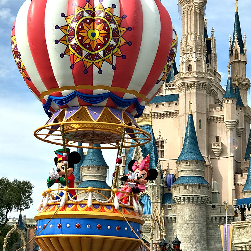 mickey-parade-at-magic-kingdom