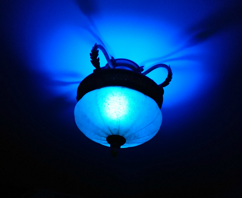 philips hue blue light