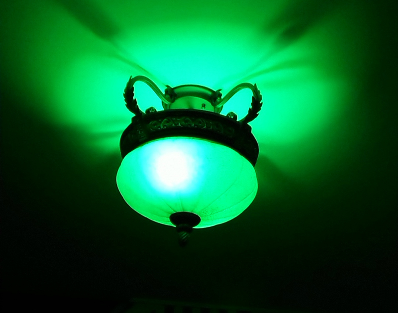 philips hue green light