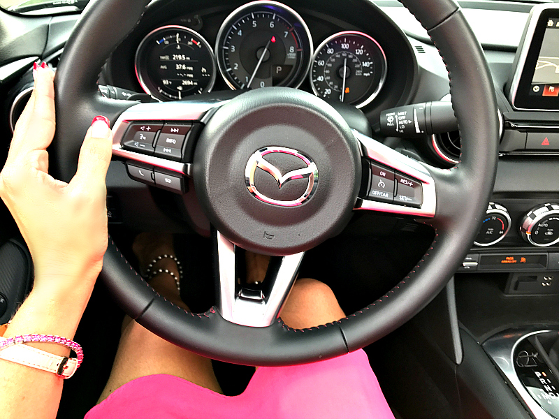 Mazda MX 5 RF - on the steering wheel