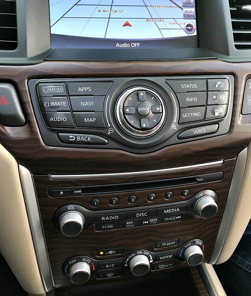 Nissan Pathfinder console