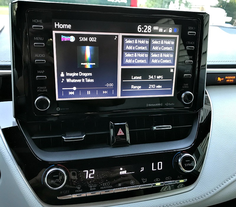 "2019 Corolla Hatchback XSE 8"" Display"