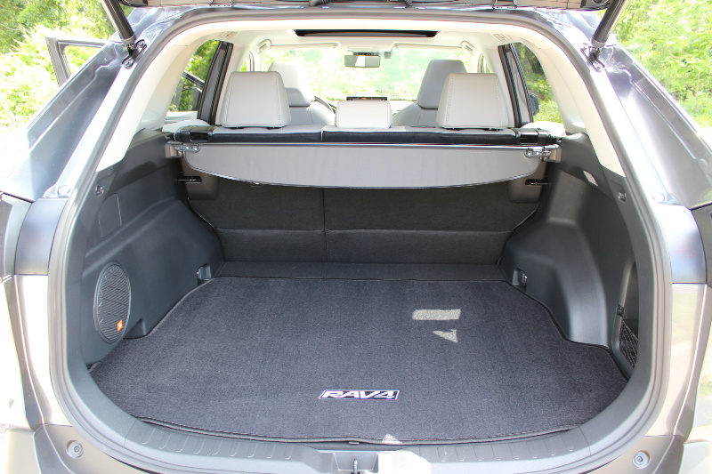 Rav4-spacious-trunk