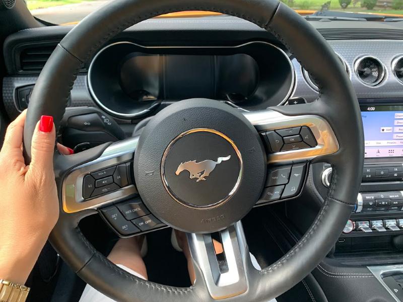 Mustang-GT-interior
