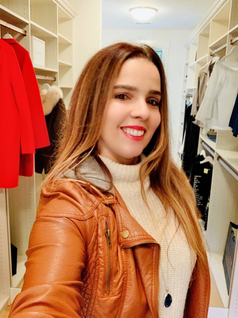 trendylatina in xfinity tech home closet