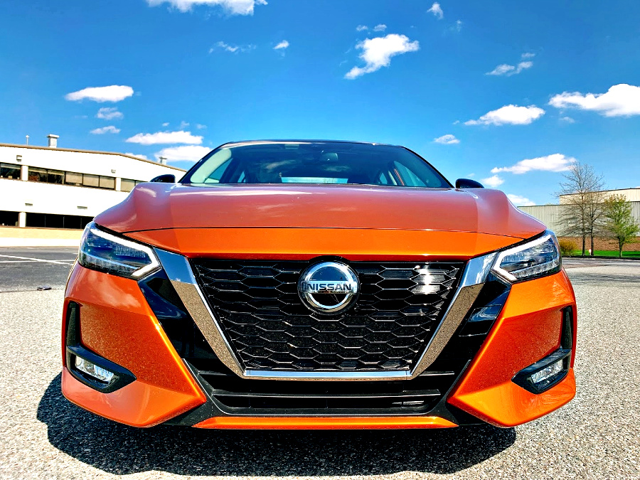 front view 2020 Nissan Sentra SR
