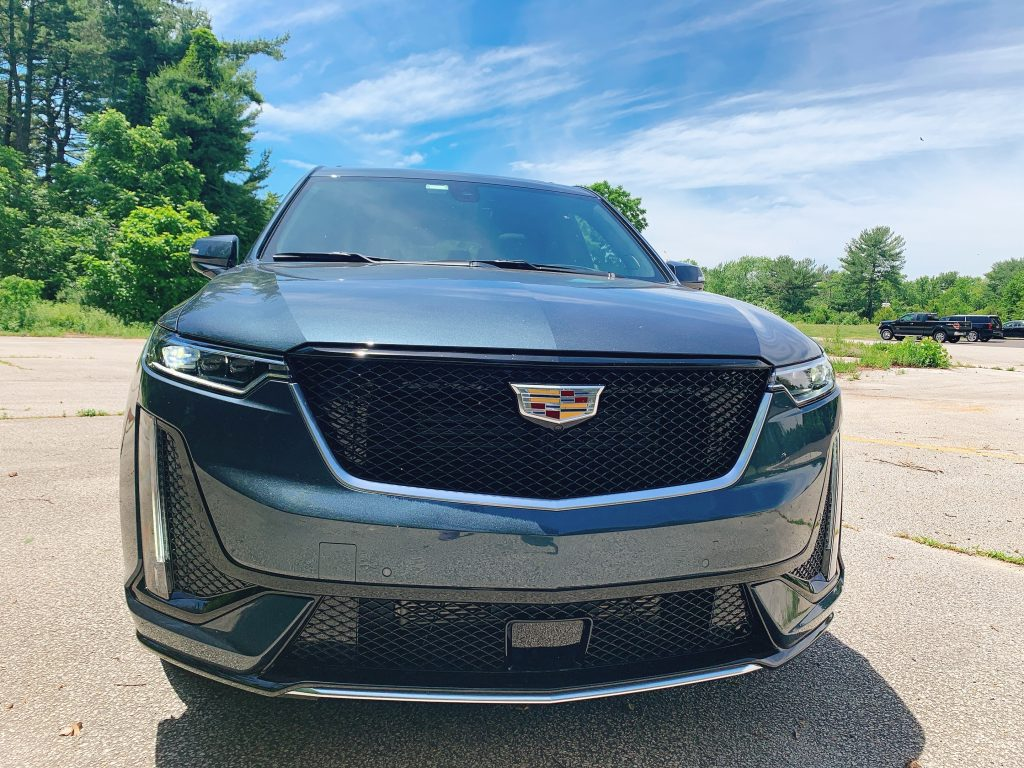 bold Cadillac XT6 front grill