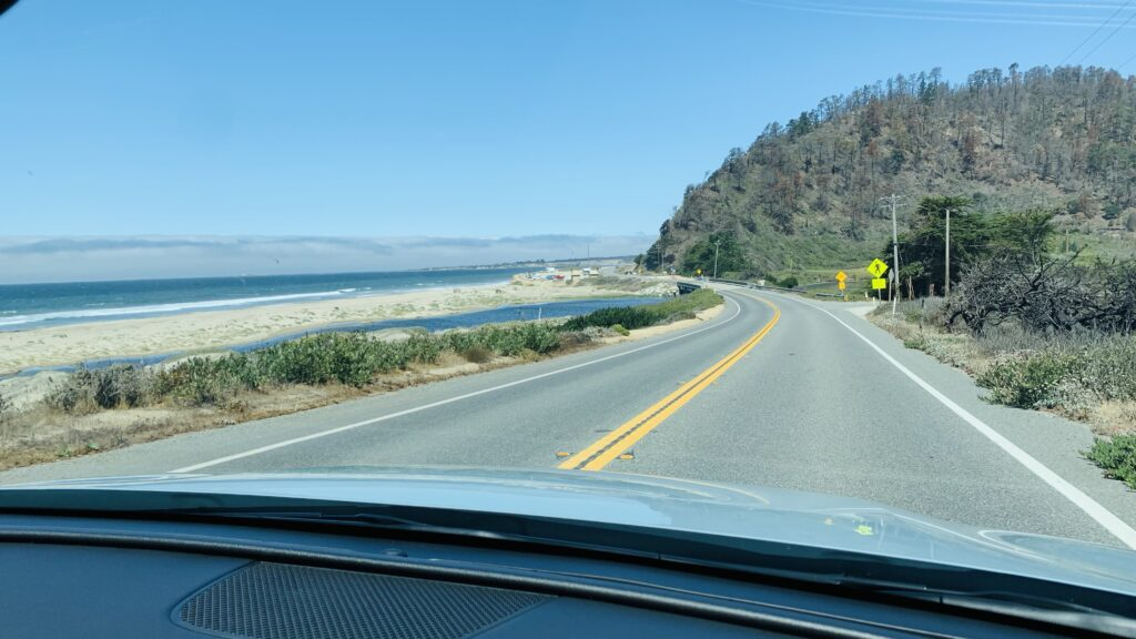2022 Hyundai Santa Cruz hugging the road
