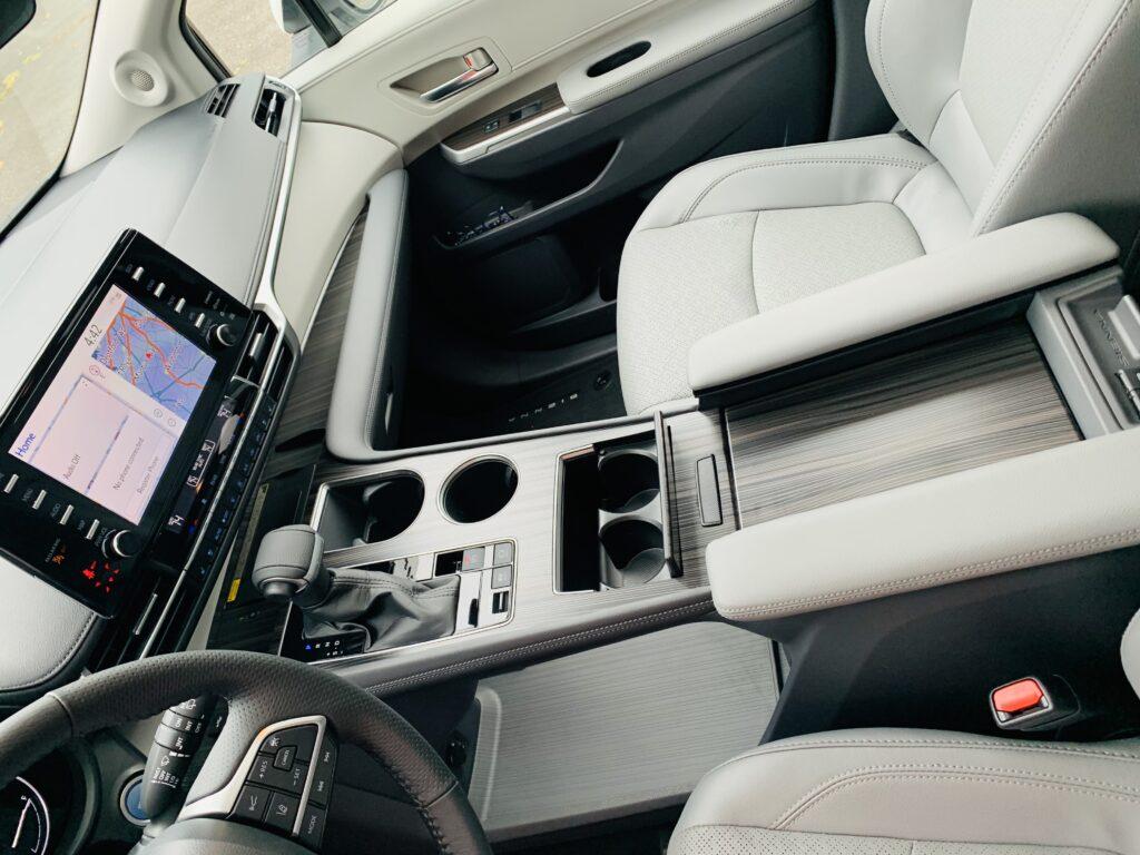 2021 Toyota Sienna Hybrid center console